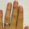 人差し指と薬指